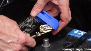 Rychloupínací svorky na baterii Boat007